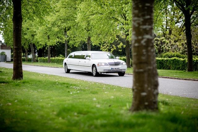 Limousine Met Chauffeur Huren